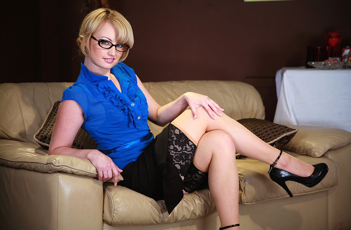 Watch Amy Amoure and Marcus London video in Naughty Office