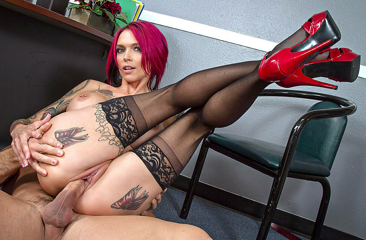 Watch Anna Bell Peaks and Johnny Castle 4K video in Naughty Office