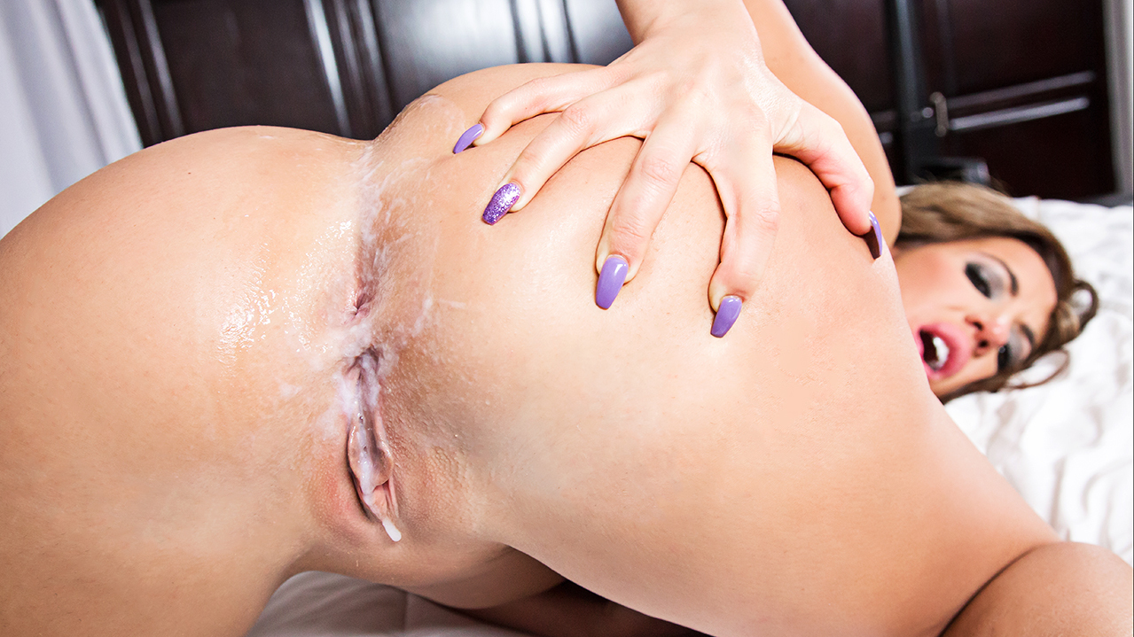 Richelle Ryan seals the deal with a creampie! Scene Pic