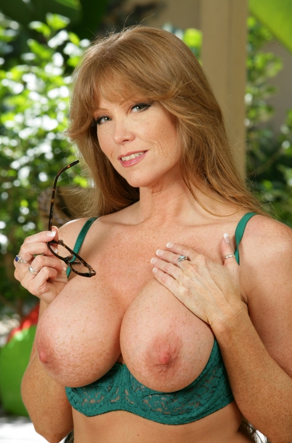 Darla Crane - xxx pornstar in many Friend & Big Tits & Threesome BGG videos