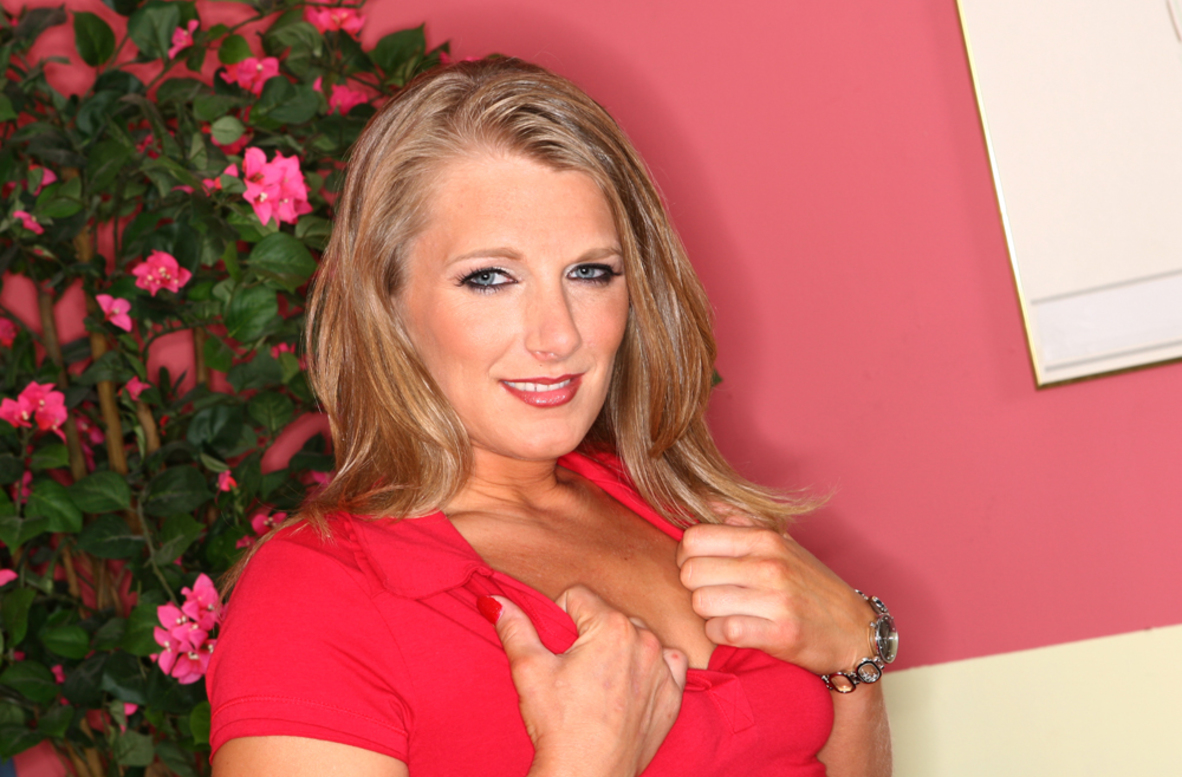 Watch Porscha Ride and Derrick Pierce video in Diary of a Milf