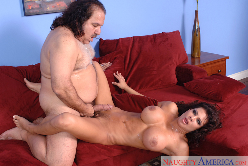 MILF Teri Weigel fucking in the living room with her tits - Blowjob
