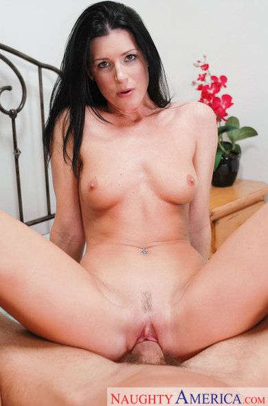 India Summer fucking in the bed with her piercings