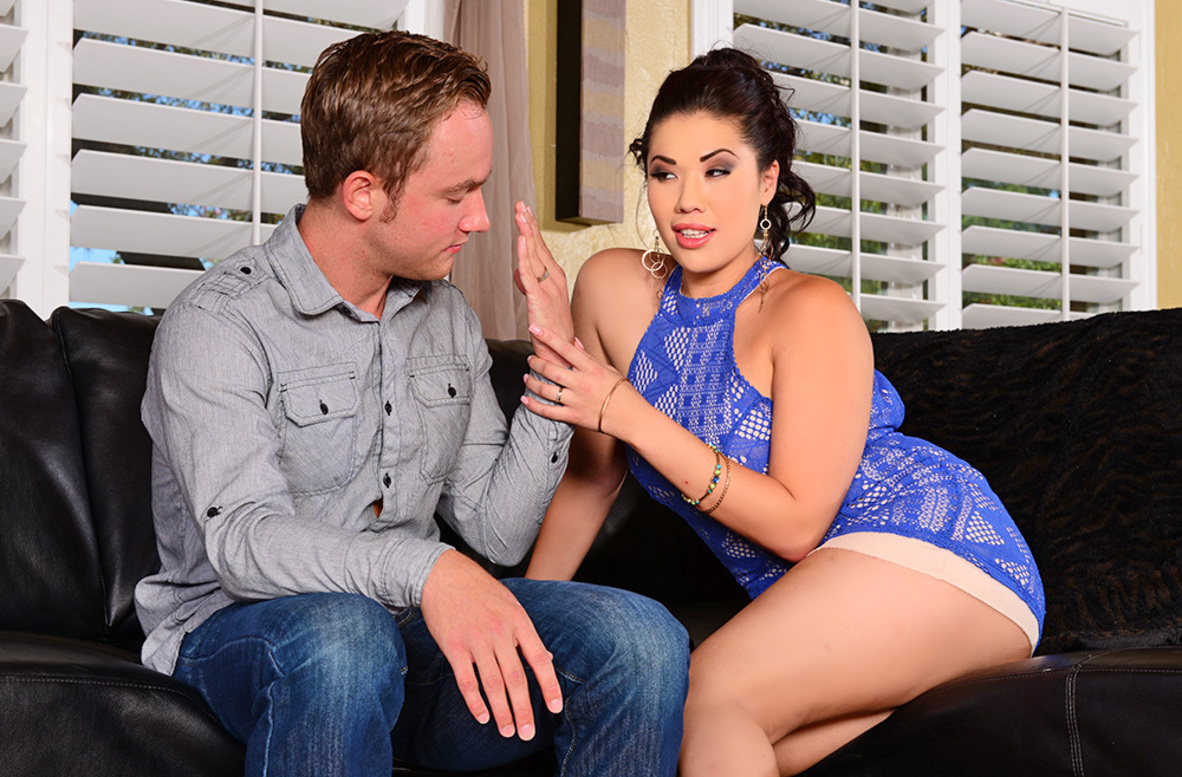 Watch London Keyes and Van Wylde 4K video in I Have a Wife