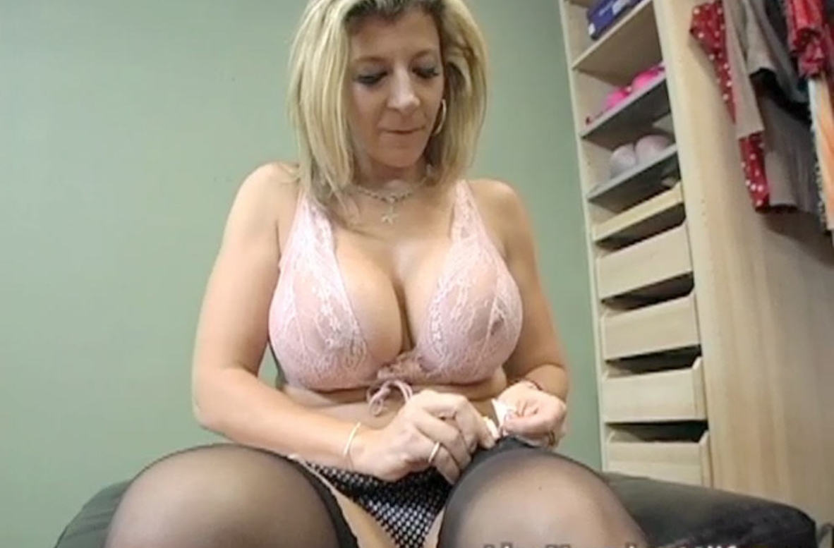 Watch Sara Jay video in Live Naughty Milf