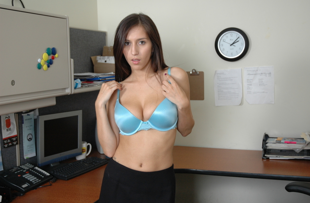 Watch April O'Neil video in Live Naughty Secretary