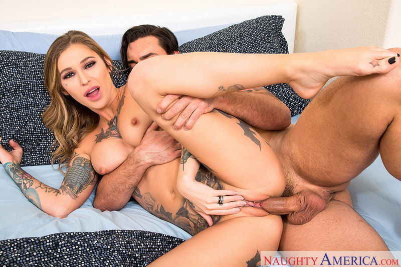 Kleio Valentien fucking in the bedroom with her innie pussy - Blowjob