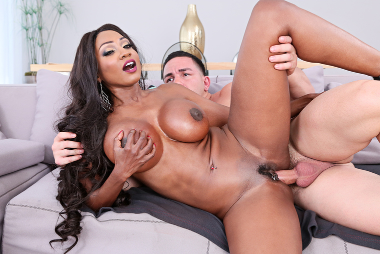 Diamond Jackson  Peter Green In My Friends Hot Mom -4955