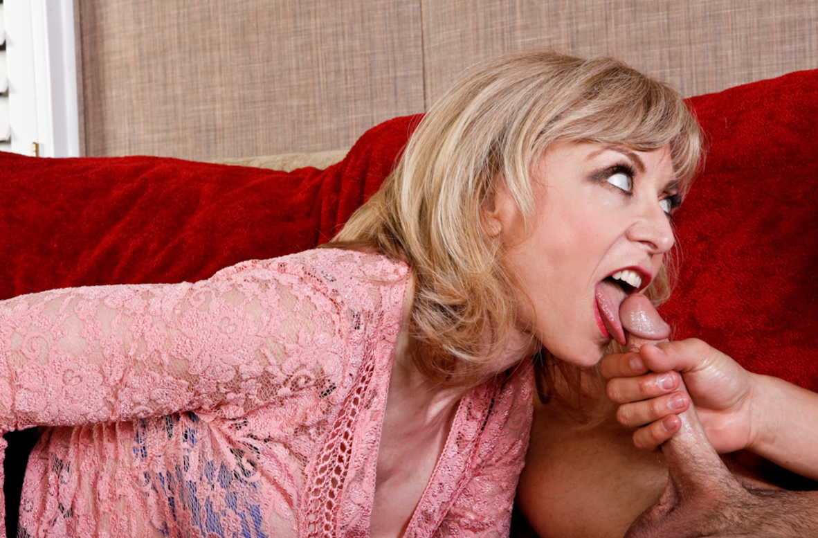 Watch Nina Hartley and Seth Gamble video in My Friend's Hot Mom