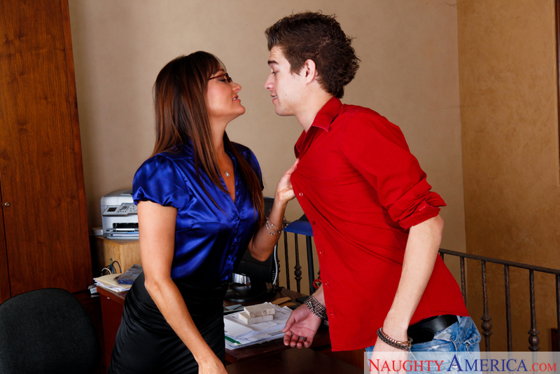 Michelle Lay Fucking In The Office With Her Natural Tits Sex Position