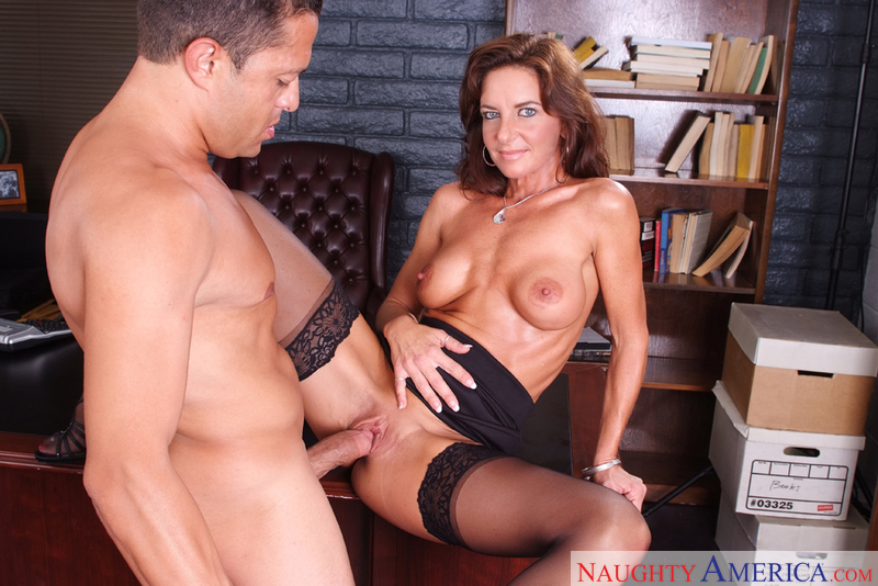 Sarah bricks naughty america