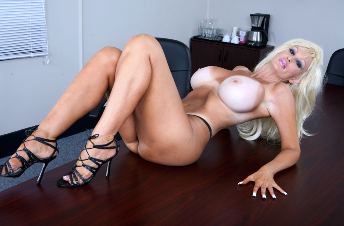 Watch Brittany O'Neil and Danny Mountain video in My Wife's Hot Friend
