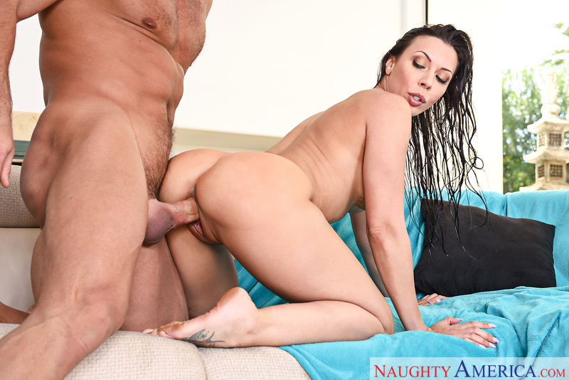 Rachel Starr fucking in the couch with her black hair - Blowjob