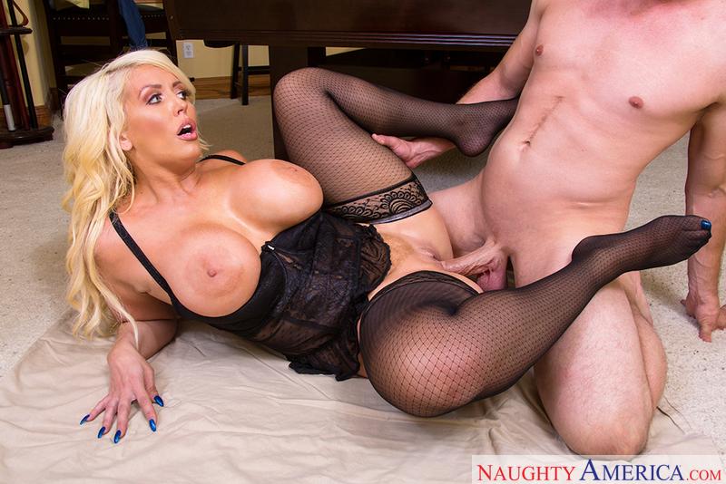 Erotic Photos Deep in pussy