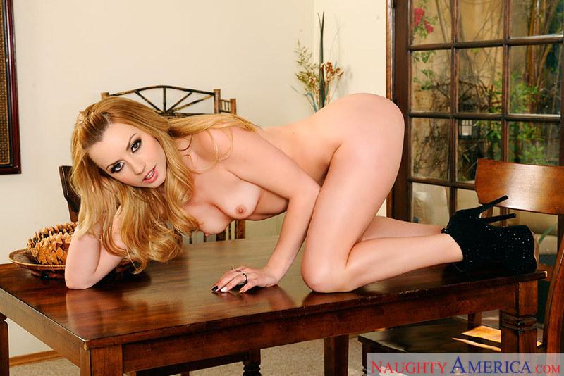 Hot nude brunette female models