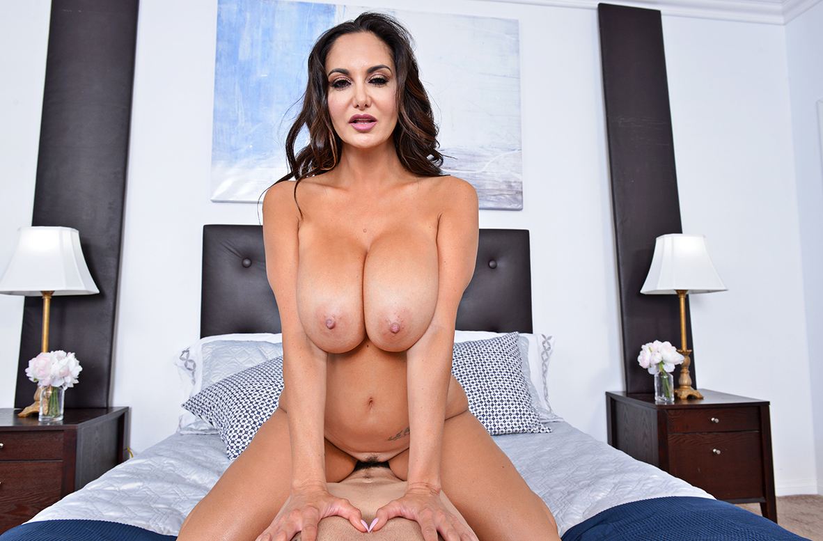 Watch Ava Addams and Charles Dera VR video in Naughty America