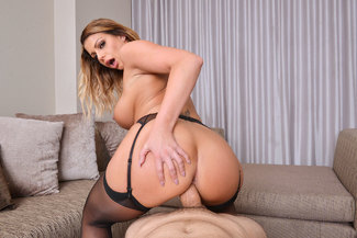 Brooklyn Chase fucking in the bed with her tits vr porn - Sex Position 2