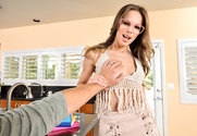 Jillian Janson & Dylan Snow in Naughty America