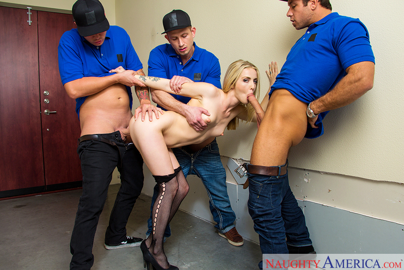 Karla Kush fucking in the hallway with her bubble butt - Sex Position 2