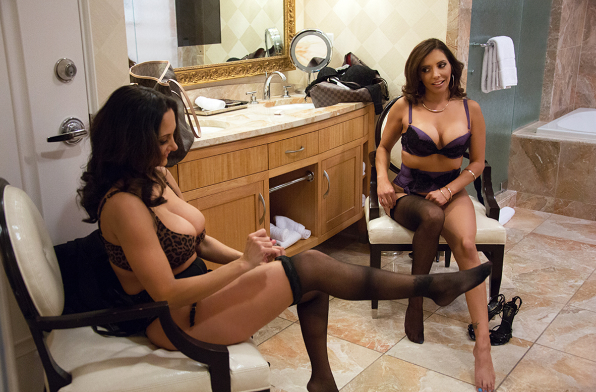 Watch Ava Addams, Francesca Le and Mark Wood 4K video in Tonight's Girlfriend Classic