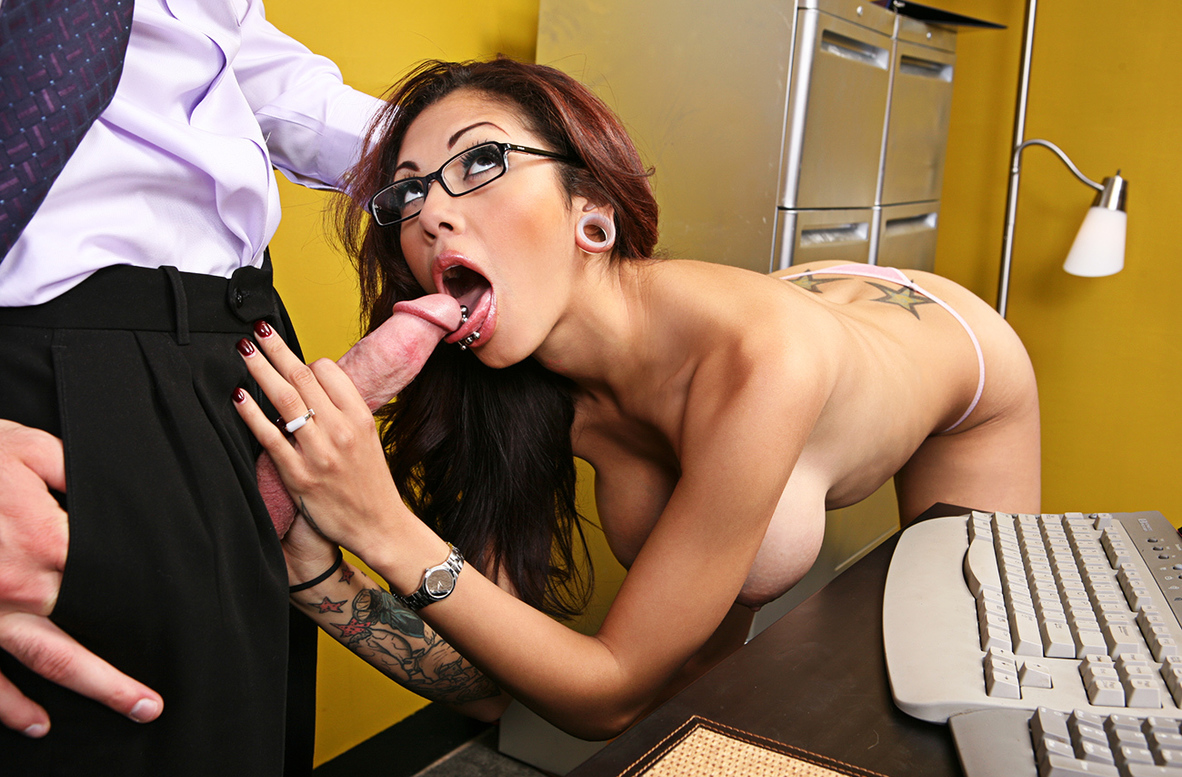 Watch Adrenalynn and Charles Dera American video in Naughty Office