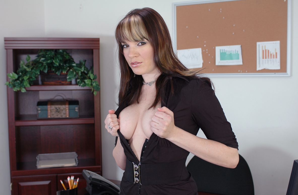 Watch Dana DeArmond and Trent Soluri video in Naughty Office