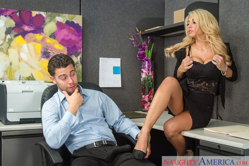 Cubicle blonde pussy