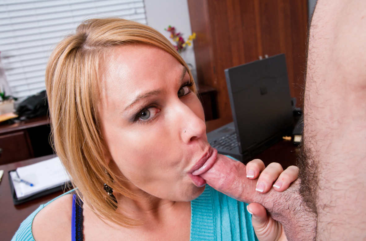 Watch Mellanie Monroe and Charles Dera video in Naughty Office