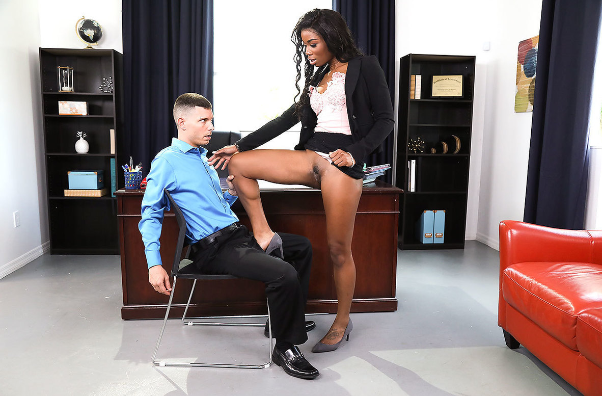 Mya Mays Fucks Her Way Out of Office Sex Photos Leak