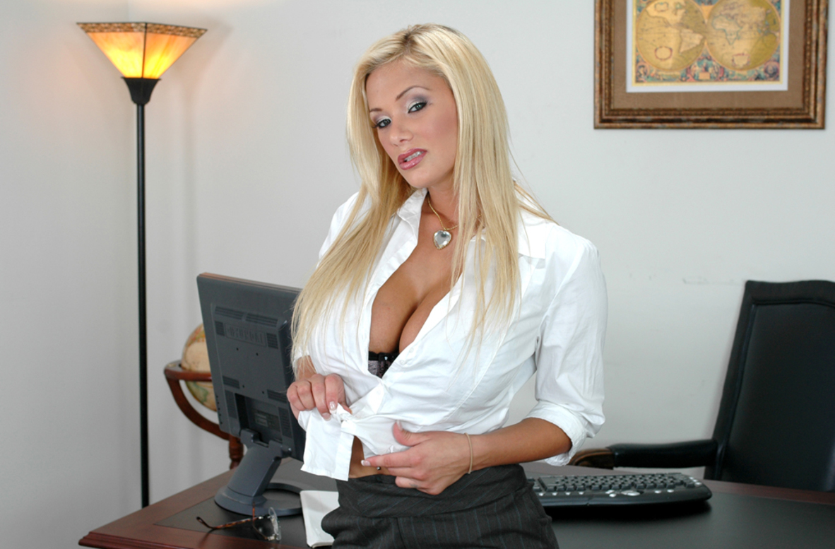 Watch Shyla Stylez and Tommy Gunn video in Naughty Office