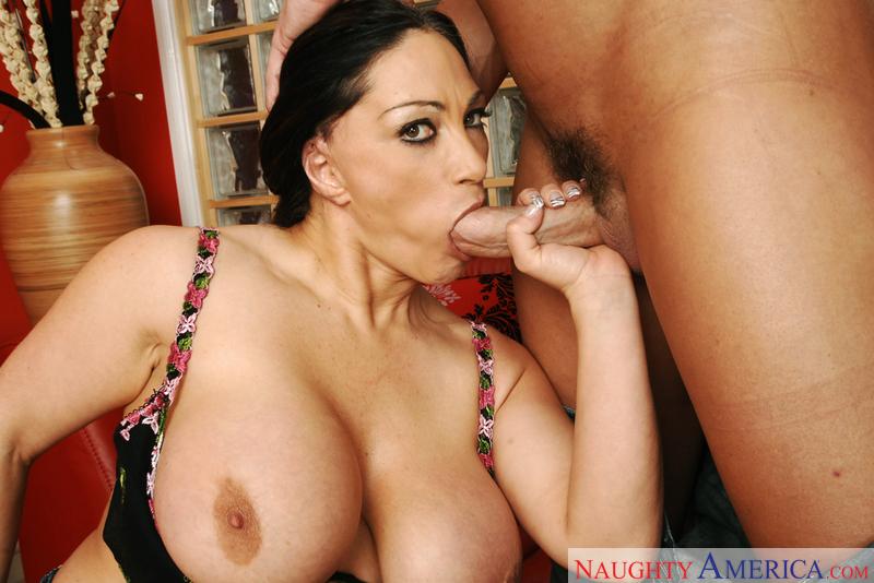 Hot mom solo live cam