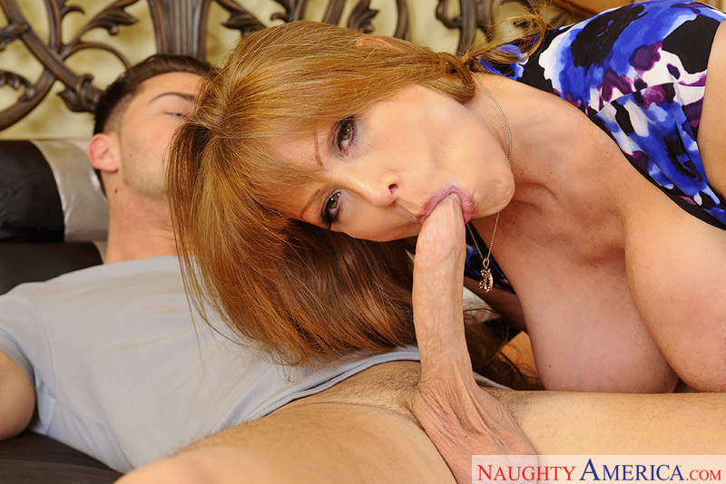 Cougar Darla Crane fucking in the bed with her big tits - Blowjob